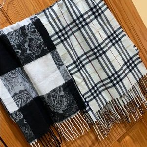 Gently used warm scarfs